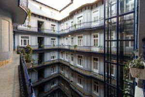 baross-city-hotel-courtyard