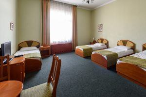 Baross City Hotel Quadruple Room