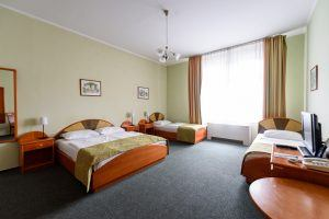 baross-city-hotel-triple-room