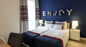 Estilo Fashion Hotel Connecting Family Room