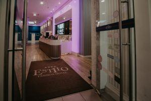 estilo-fashion-hotel-reception-area