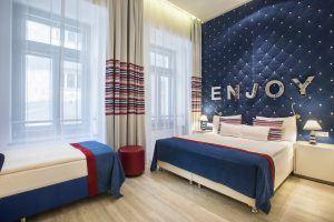Estilo Fashion Hotel Standard Triple Room