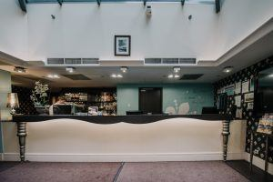 la-prima-fashion-hotel-lobby