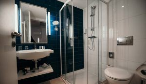 estilo-fashion-hotel-superior-room-bathroom